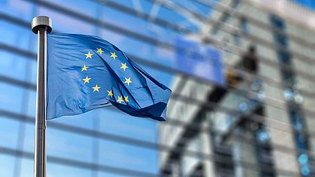 Gesetz zur EU-Vermittlerrichtlinie IDD verabschiedet!